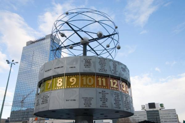 Weltzeituhr (World Time Clock), Alexanderplatz, Berlin