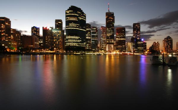The Australian state of Queensland's capital city, Brisbane, at dusk.