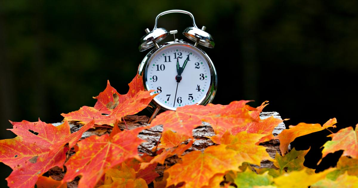 dst in europe ends sunday  oct 25  2015 as clocks go back