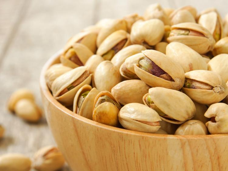Pistachios are healthy and delicious.